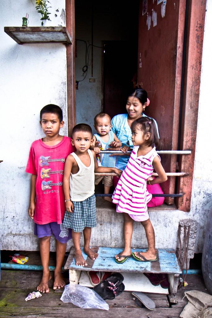 migrant-family