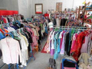 2nd hand clothing from 20 to 100 baht